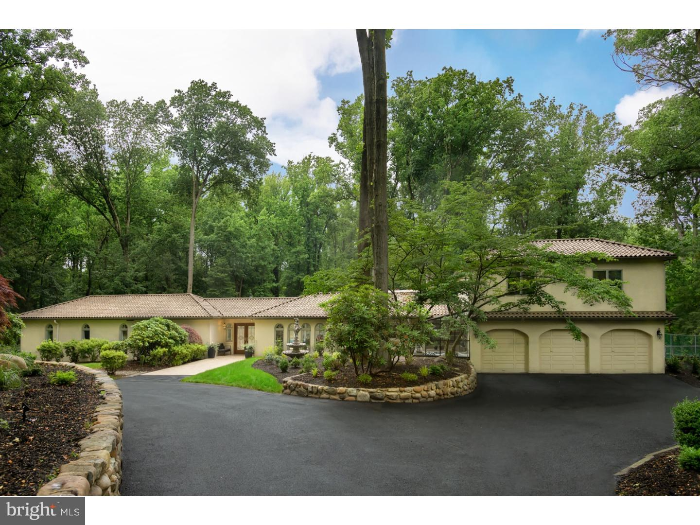 1121 WINDING DRIVE, CHERRY HILL, NJ 08003