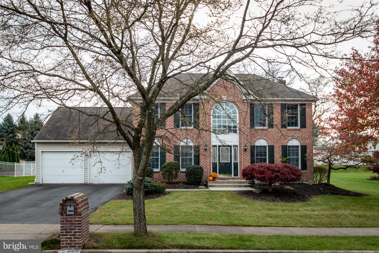 2218 GOLDENROD DRIVE, MACUNGIE, PA 18062