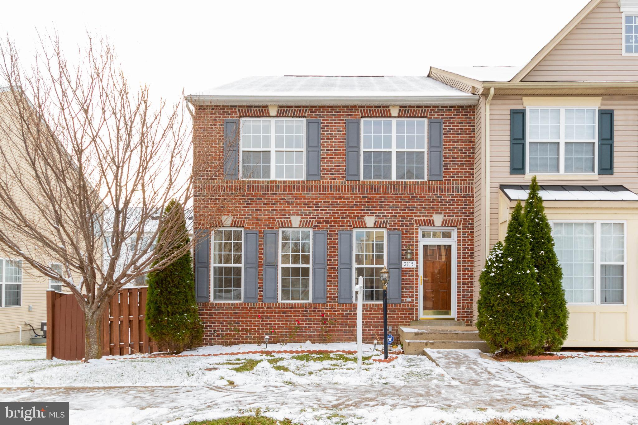 **WOW**Amazing Opportunity to own this Gorgeous HUGE End Unit Townhouse offers 3 beds and 3.5 bath. Fresh Paint and and Brand New Carpet. Huge deck and fully Fenced Backyard.  Close to highway and shopping and much more. its a must see. Wont last long.