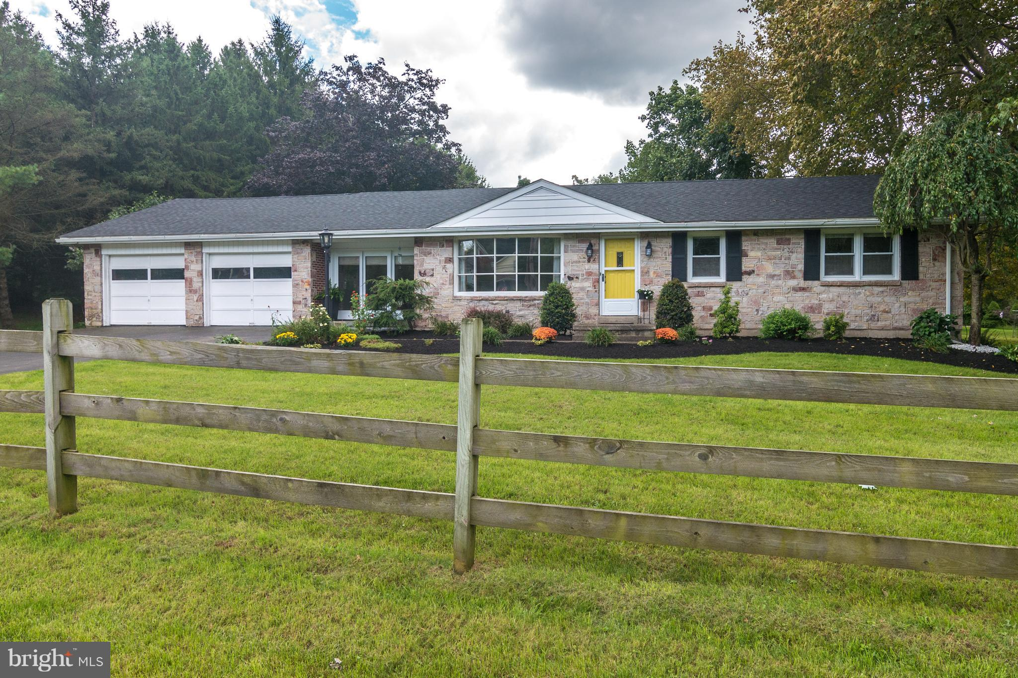 1982 LEITHSVILLE ROAD, HELLERTOWN, PA 18055
