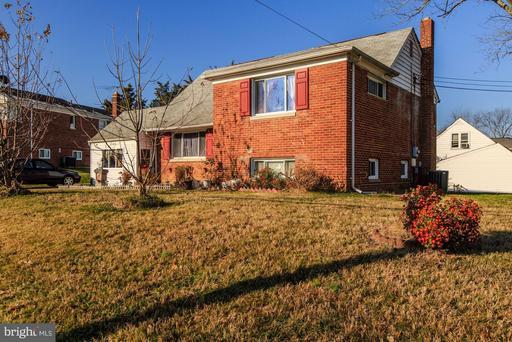 5800 Channing Rd, Springfield, VA 22150