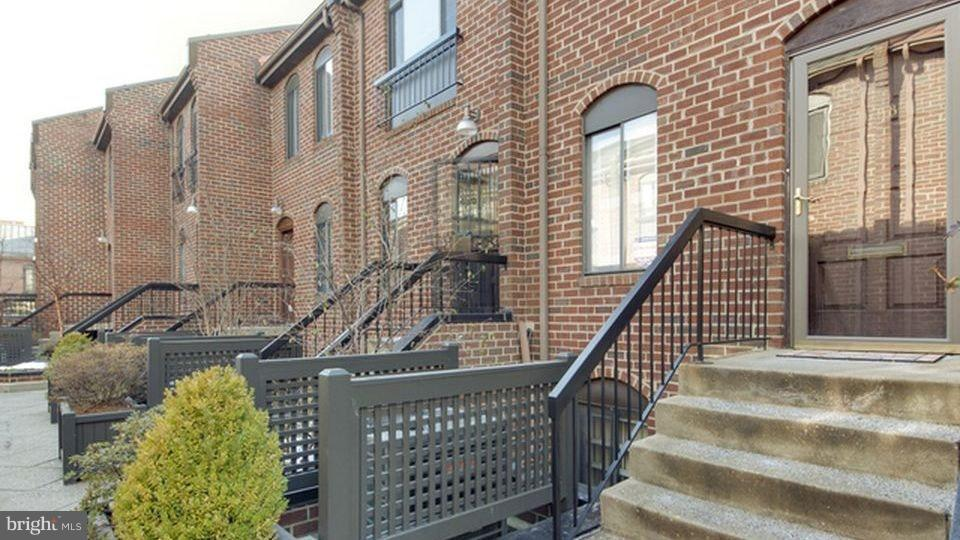 Spacious duplex row home located in the popular Papermill in Georgetown. Renovated kitchen and bath, garage parking, private balcony, central a/c, in unit W/D, hardwood floors, end unit providing great natural light, FULLY FURNISHED and available now. Sorry, no pets.