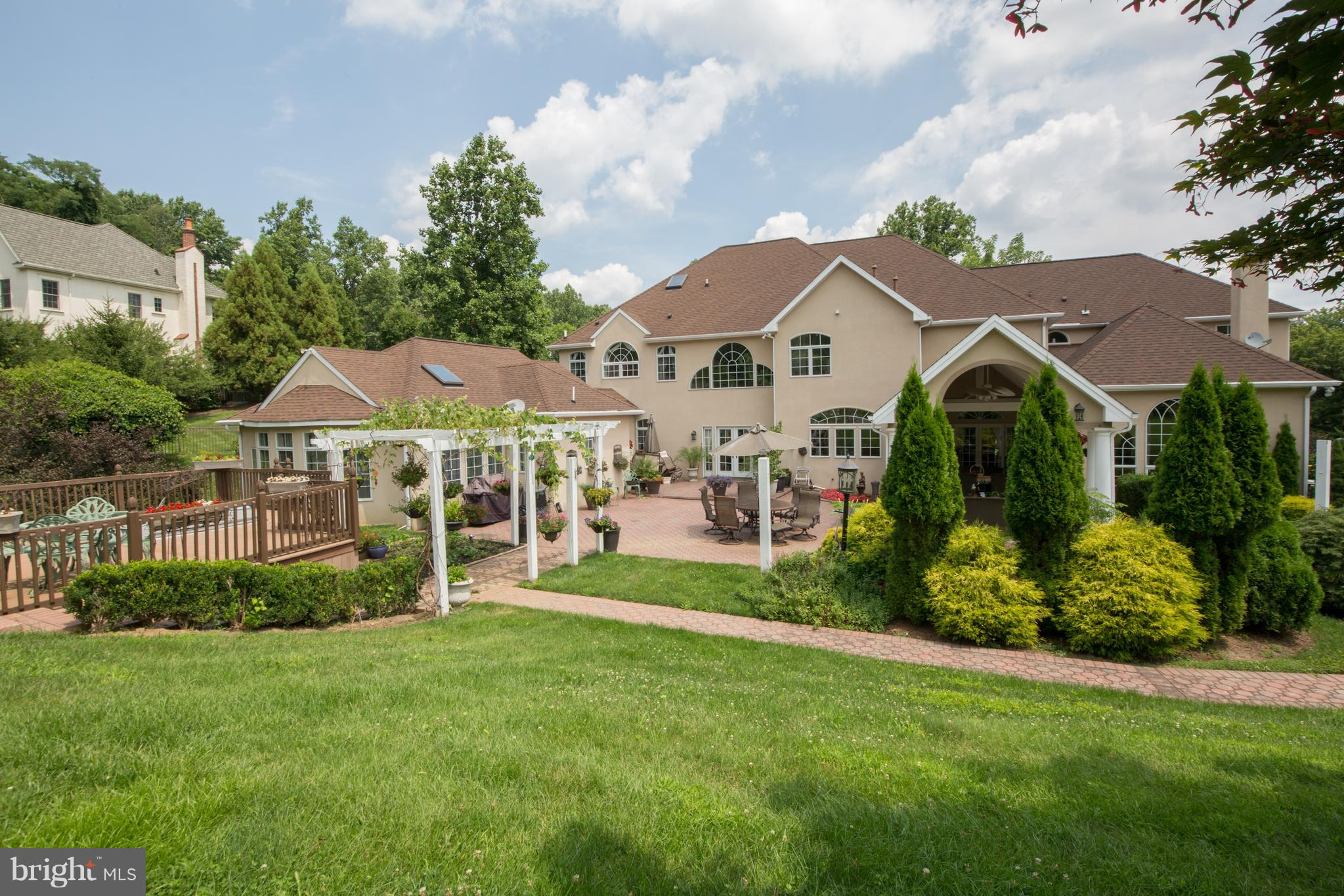 1088 HERKNESS DRIVE, MEADOWBROOK, PA 19046
