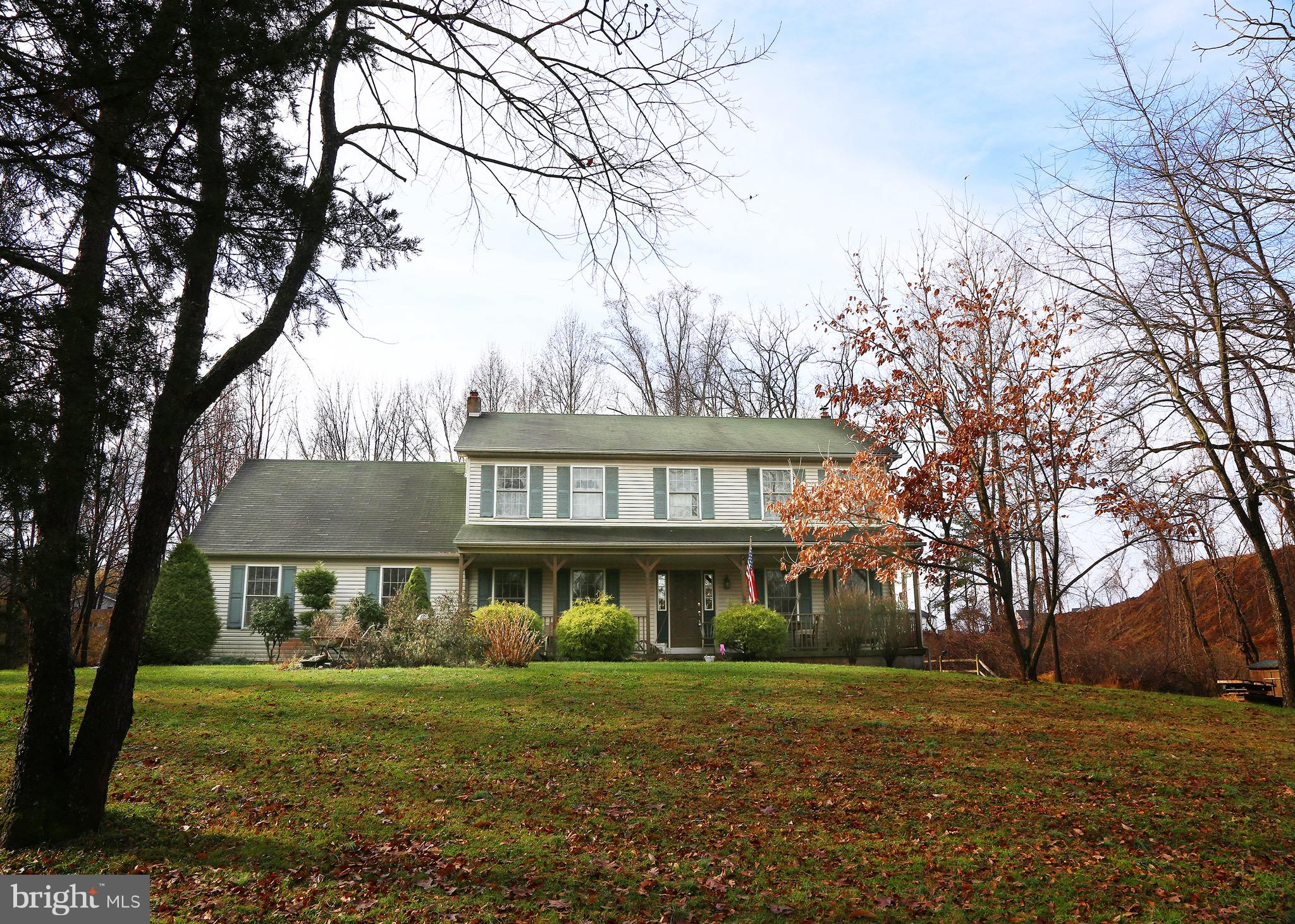 1743 STATION AVENUE, CENTER VALLEY, PA 18034