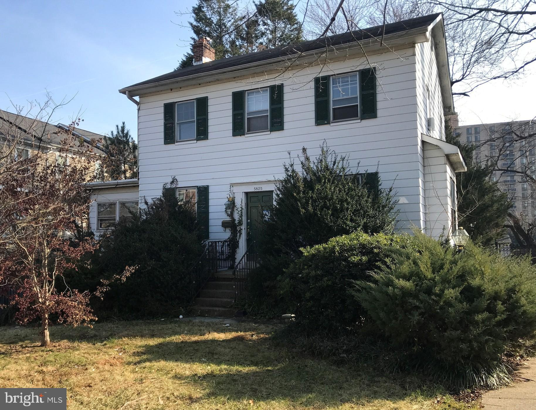3BD/1 Full and 2 Half BA  home with three floors & endless possibilities.  Hardwood floors and a fireplace inside. Spacious fenced backyard great for entertainment with a separate shed.  Great location -1/2 mile to Huntington Metro.