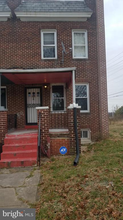 Beautiful 3 bedroom and bath one  home with central air condition and heat, security system in a quite  single family neighborhood. close to downtown Baltimore city  shopping centers and recreations centers, close to the stadiumsand interstate 295 and  95