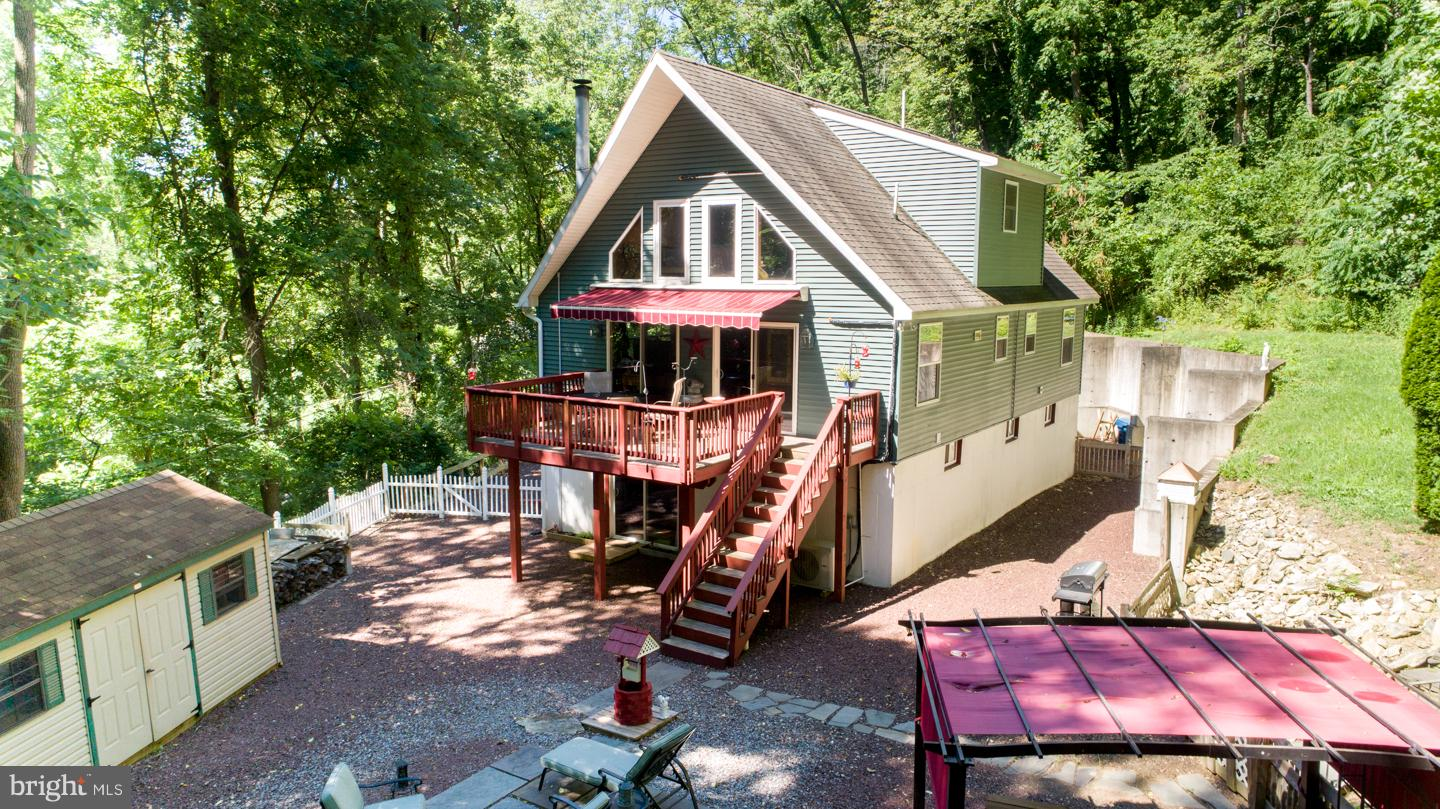 241 SPRING HILL ROAD, RIEGELSVILLE, PA 18077