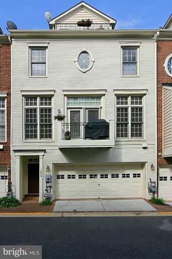 Photo of 1609 Seneca Ave