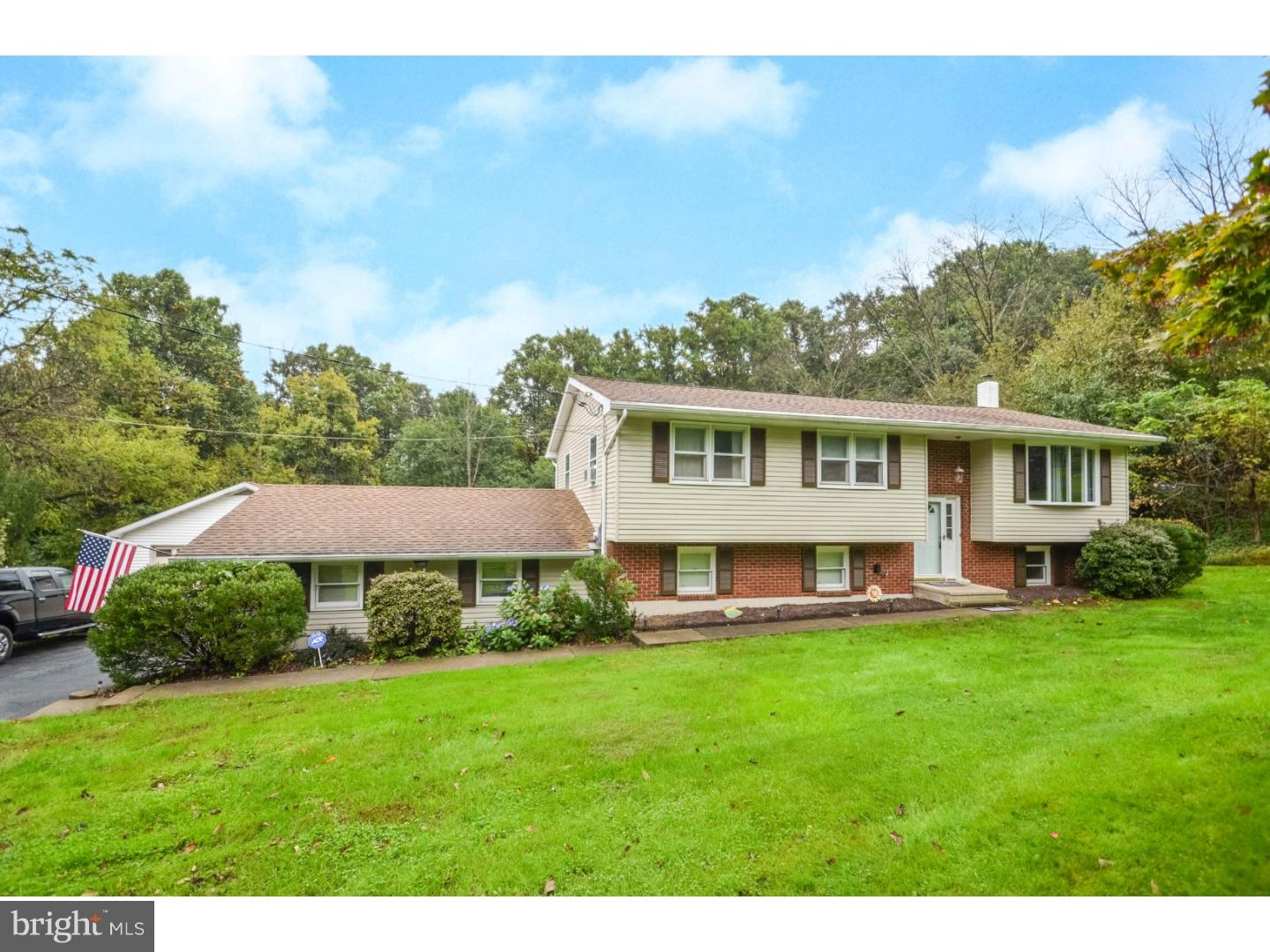 5145 APPLEBUTTER HILL ROAD, CENTER VALLEY, PA 18034