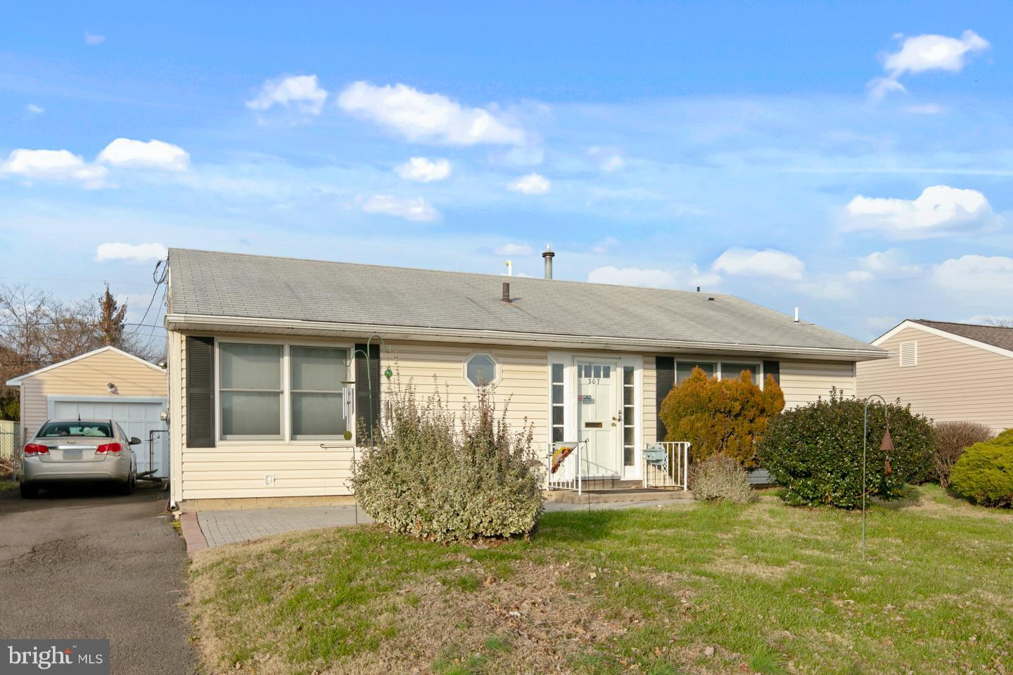 307 ANDOVER ROAD, FAIRLESS HILLS, PA 19030