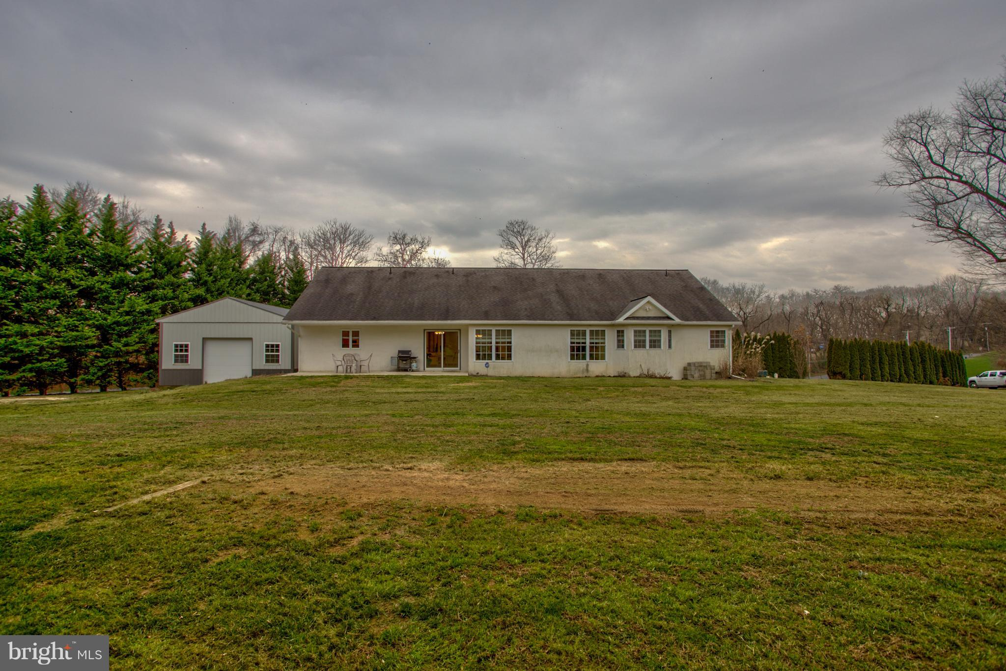 1421 HABECKER ROAD, COLUMBIA, PA 17512
