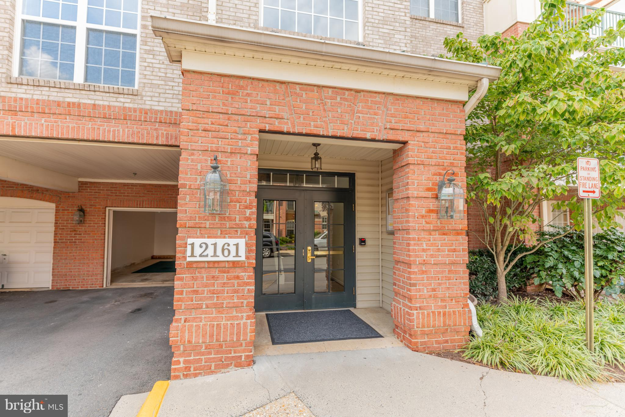 *GARAGE* One car garage included with entrance to garage from inside of the building!! Bright and airy 2 level, 3 bedroom condo with a loft. Walking distance to the new Metro (opening 1/19), Reston Town Center and Reston . Hospital.  Open floorplan, hardwood floors and a beautiful, private,  water view.  **Willing to rent as well
