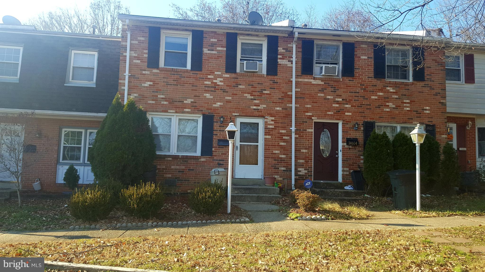 Great Opportunity! Priced to sell! 3 Bedrooms,1.5 Bath Townhouse, Brick front,  Don't miss out!
