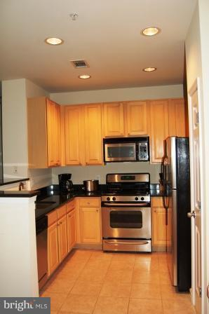 Photo of 2465 Army Navy Dr #205