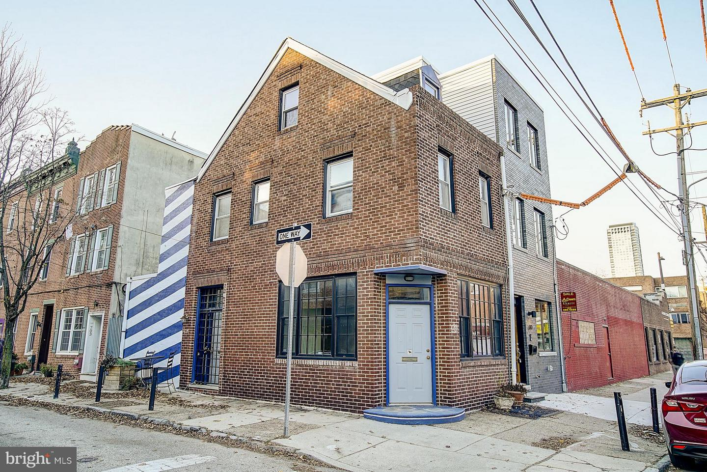 612 S 7TH Street Philadelphia, PA 19147