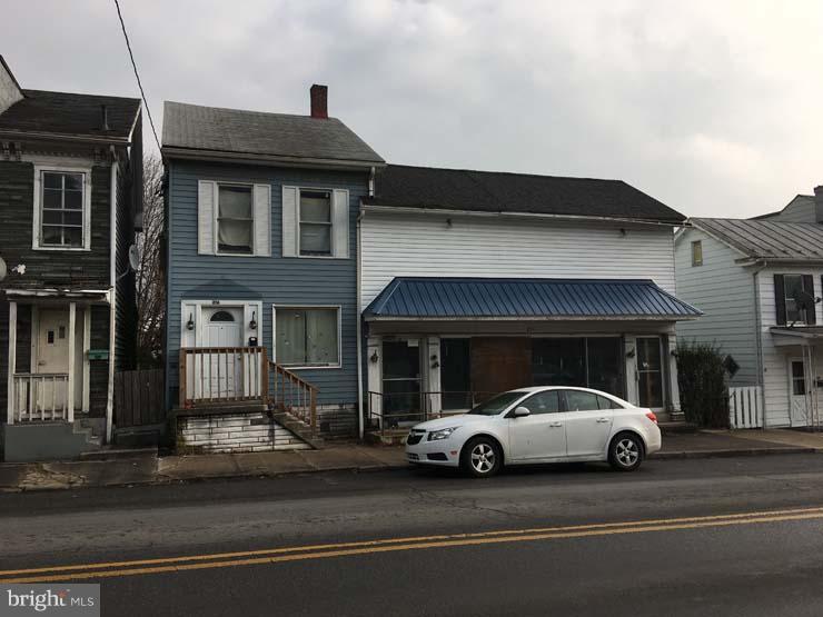 214-216 VALLEY STREET, LEWISTOWN, PA 17044