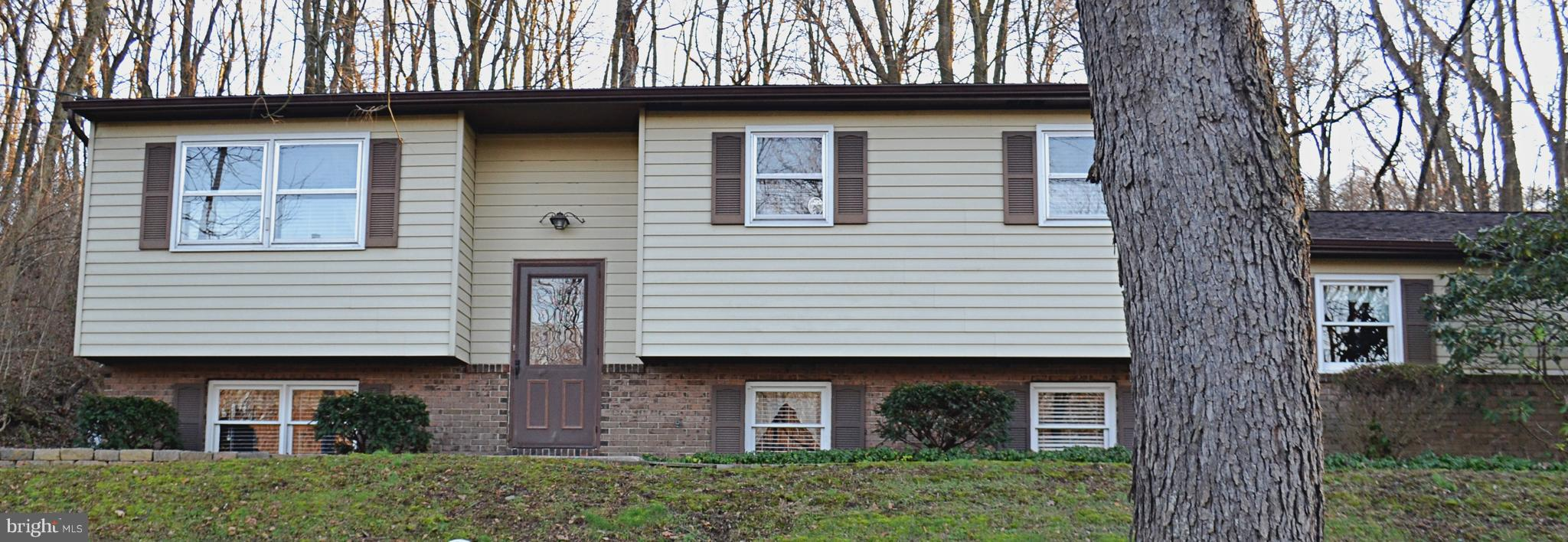 150 W MOUNT AIRY ROAD, STEVENS, PA 17578