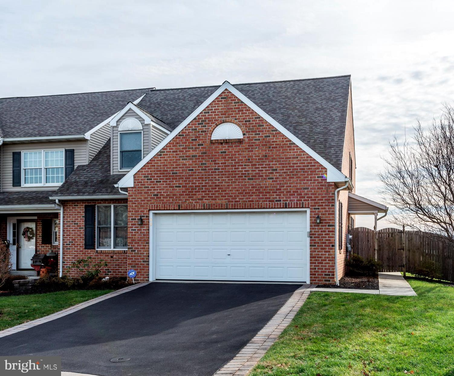 99 SPRING HILL LANE, MOUNTVILLE, PA 17554