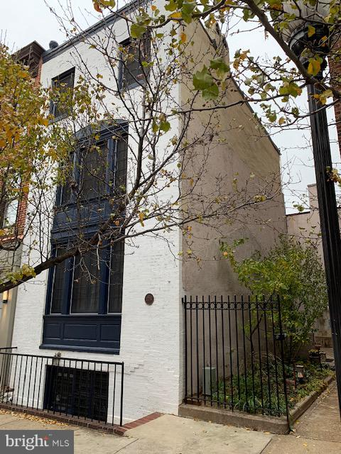 22 W CHASE STREET, BALTIMORE, MD 21201