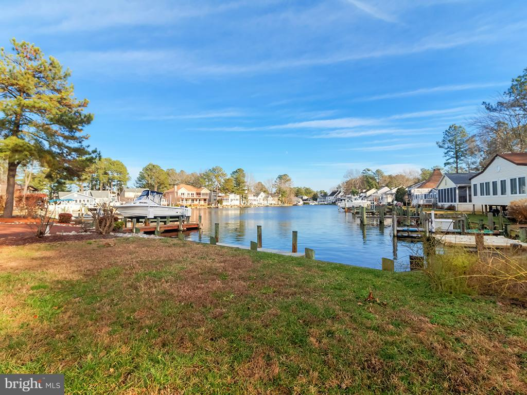 4 MOONSHELL DRIVE, OCEAN PINES, MD 21811