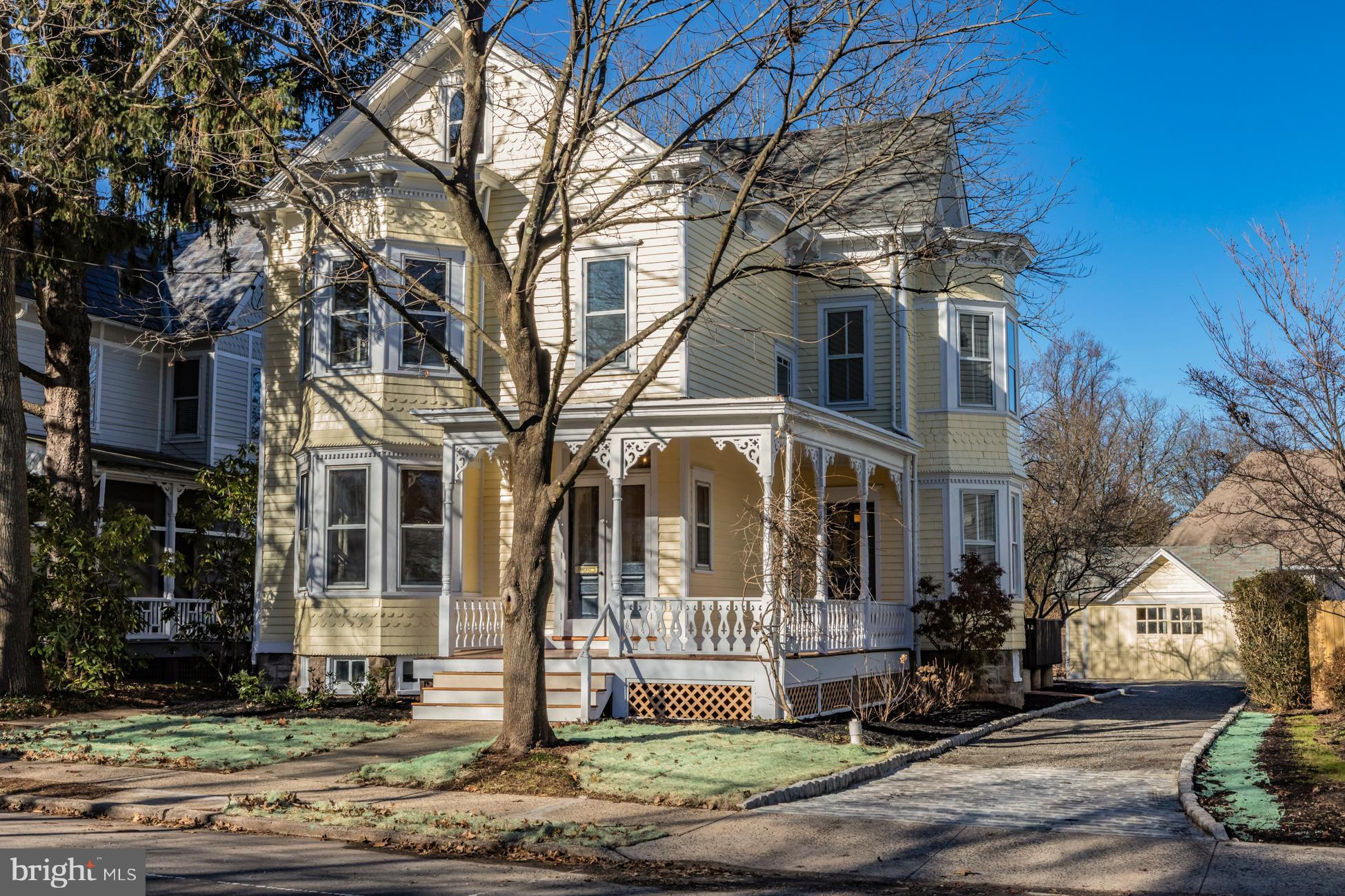 25 E DELAWARE AVENUE, PENNINGTON, NJ 08534