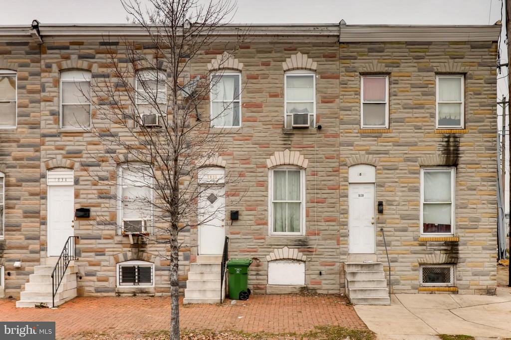 Renovated home close to the heart of downtown Baltimore.  This beautifully updated & surprisingly spacious home is brimming with original character and the convenience of modern amenities.  Competitively priced and turnkey. Don't miss the opportunity to make this adorable rowhome yours today!