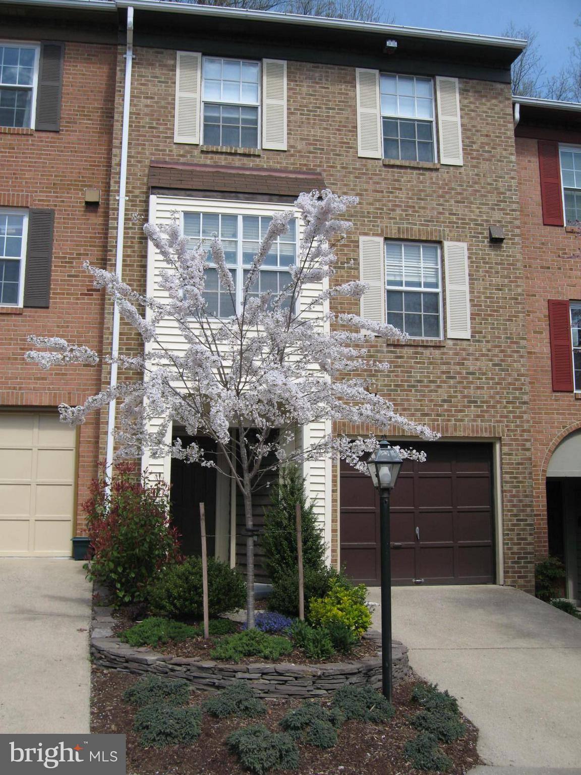 This 3 bed 4 bath brick townhouse with a single car garage is in a commuter friendly location at  the end of the community on a cul-de-sac and backs to woods.  It is less than a mile drive to the Van Dorn Metro station or is a couple of blocks to the last bus stop for the Van Dorn Metro.  (http://www.fairfaxcounty.gov/connector/pdf/109.pdf or http://www.fairfaxcounty.gov/connector/pdf/232.pdf) Conveniently and centrally located 8 miles from the Pentagon, 3 miles from the Hoffman building, 3 miles from the Mark Center, and less than 3 miles from Ft. Belvoir (reverse commute to Belvoir).  Direct access to 495/395. Perfect commute to Belvoir or Andrews AFB.  It is less than a 30 minute metro ride to downtown D.C..  ~ mile to the Kingstowne shopping center with a movie theatre, restaurants and 2 grocery stores. About 1.5 miles to Lee District Recreation Center, a community Rec. center with Fitness Center, Pool.