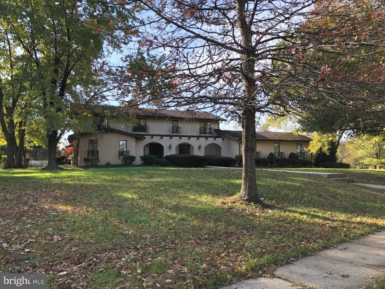 10 COUNTRY HOUSE WAY, COLUMBUS, NJ 08022