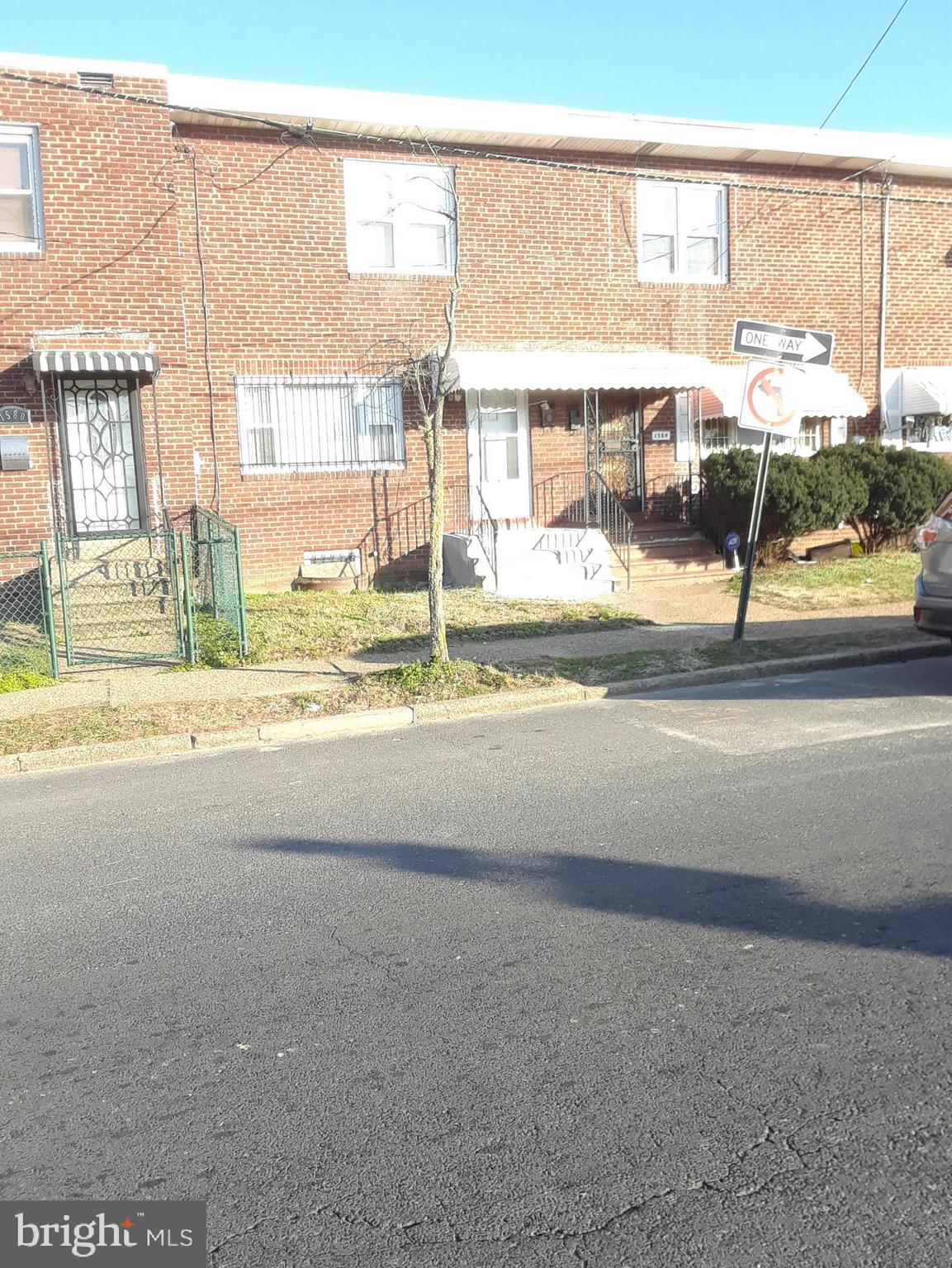 1582 S S 9TH STREET, CAMDEN, NJ 08104