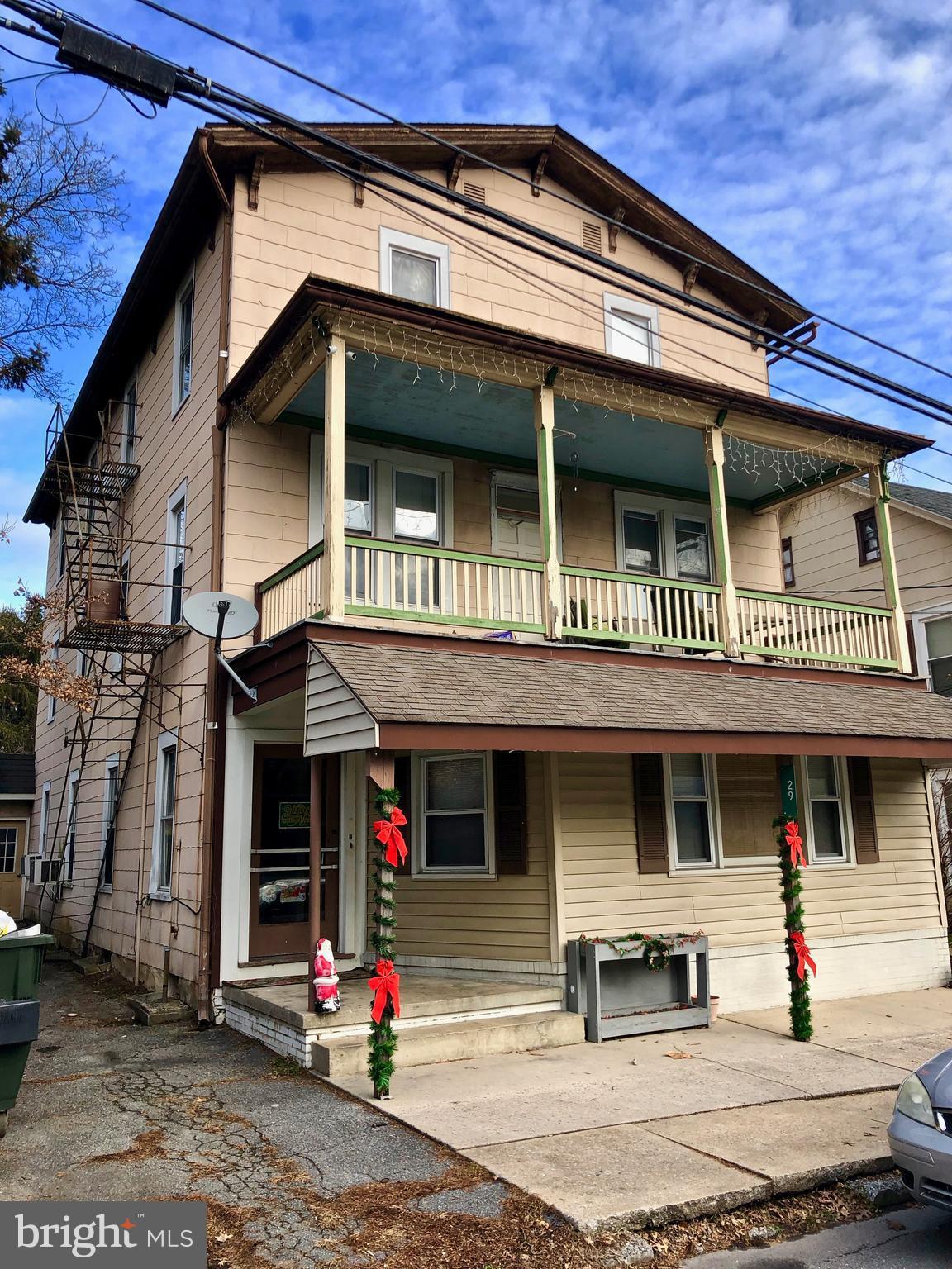 29 E MAIN STREET, BROWNSTOWN, PA 17508