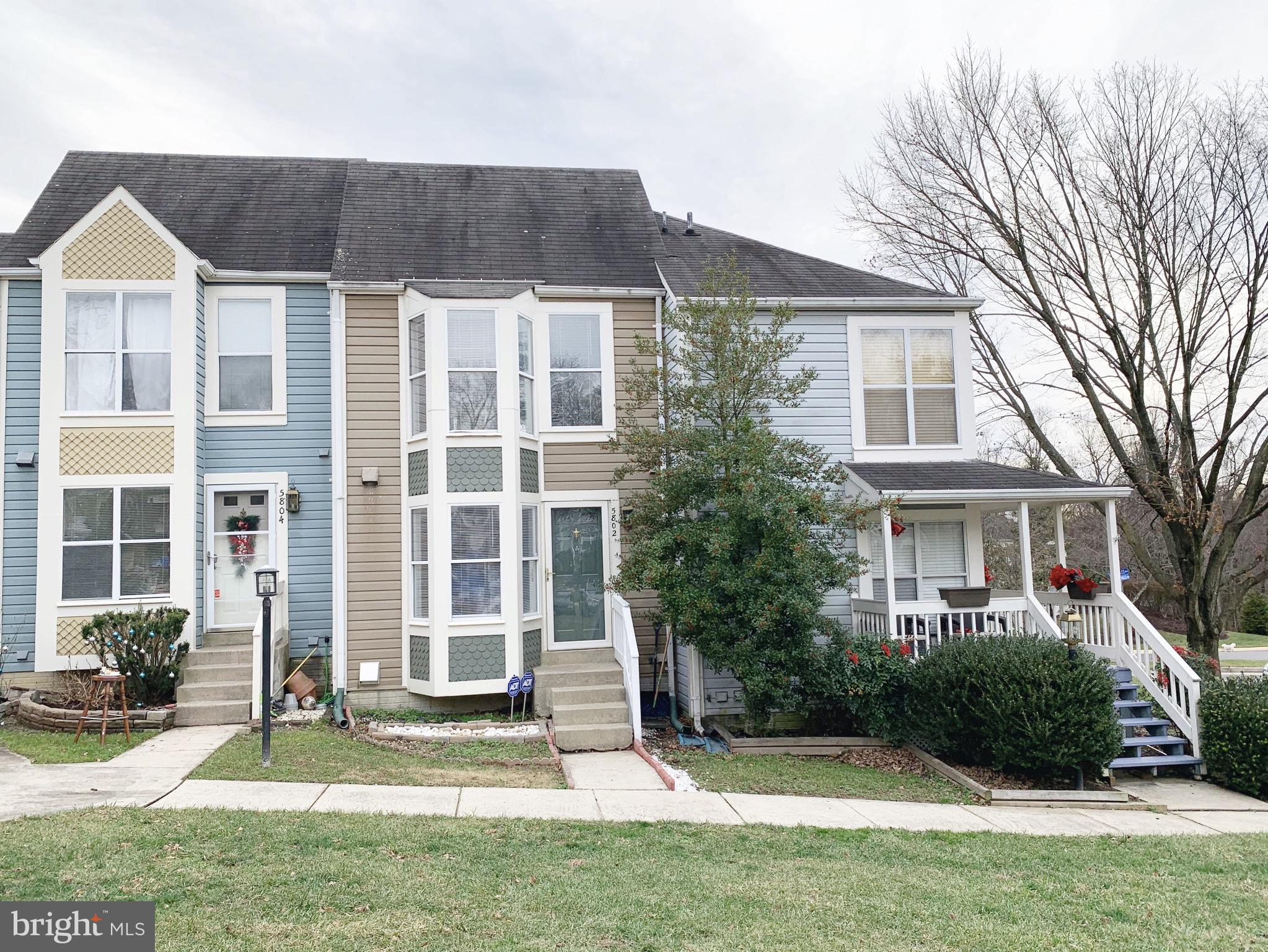 Beautiful 3 level townhouse on a quiet cul-de-sac. Located in the heart of Kingstowne.  Convenient location within minutes to Ft. Belvoir, Springfield metro station, and 95/495.Kitchen with new stainless appliances & granite I countertops.  Freshly painted. Wood floors on the main level. Living room with fireplace. Walkout basement. Home warranty included.