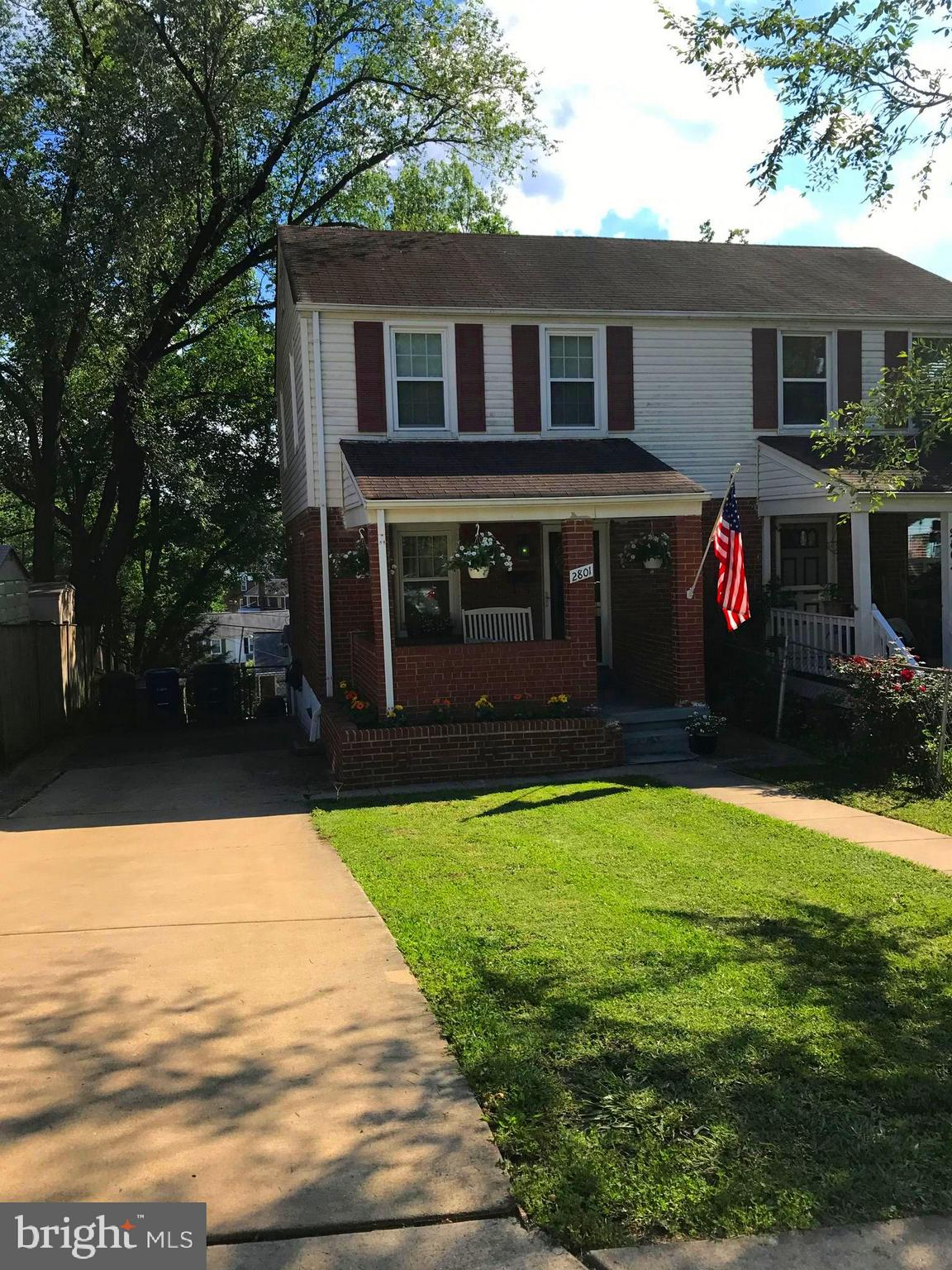 Jefferson Manor brick duplex (with lower level addition) fully renovated. 2 bed, 2 bath. Granite, hardwood floors. Walk to Huntington Metro and Park. Fenced backyard - perfect for dogs!]