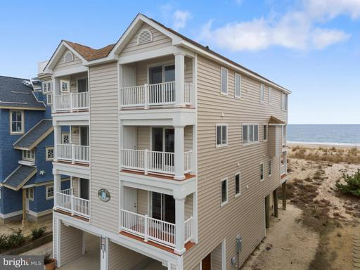 BUNTING AVENUE, FENWICK ISLAND Real Estate