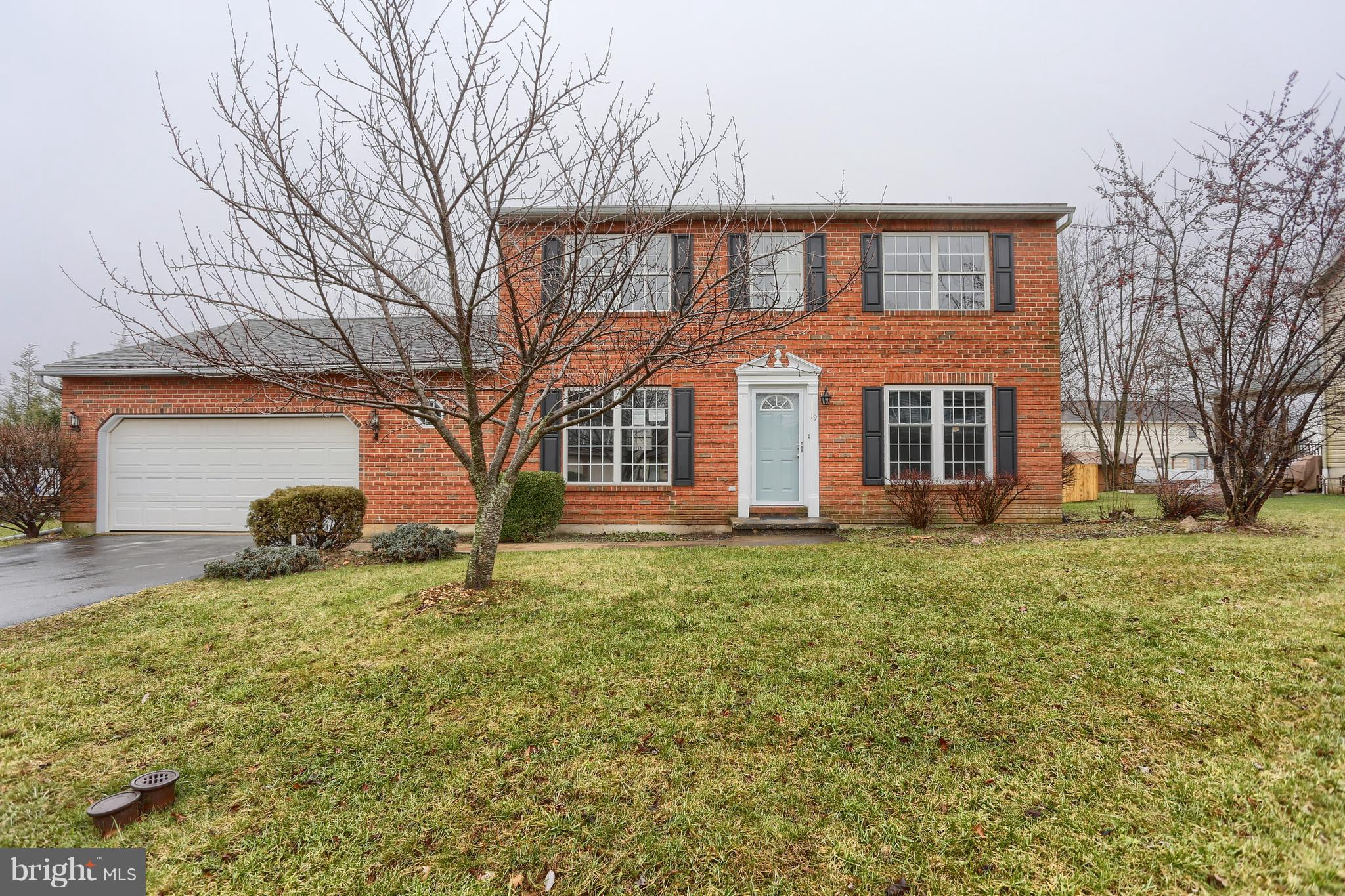 19 CARRIAGE DRIVE, WERNERSVILLE, PA 19565