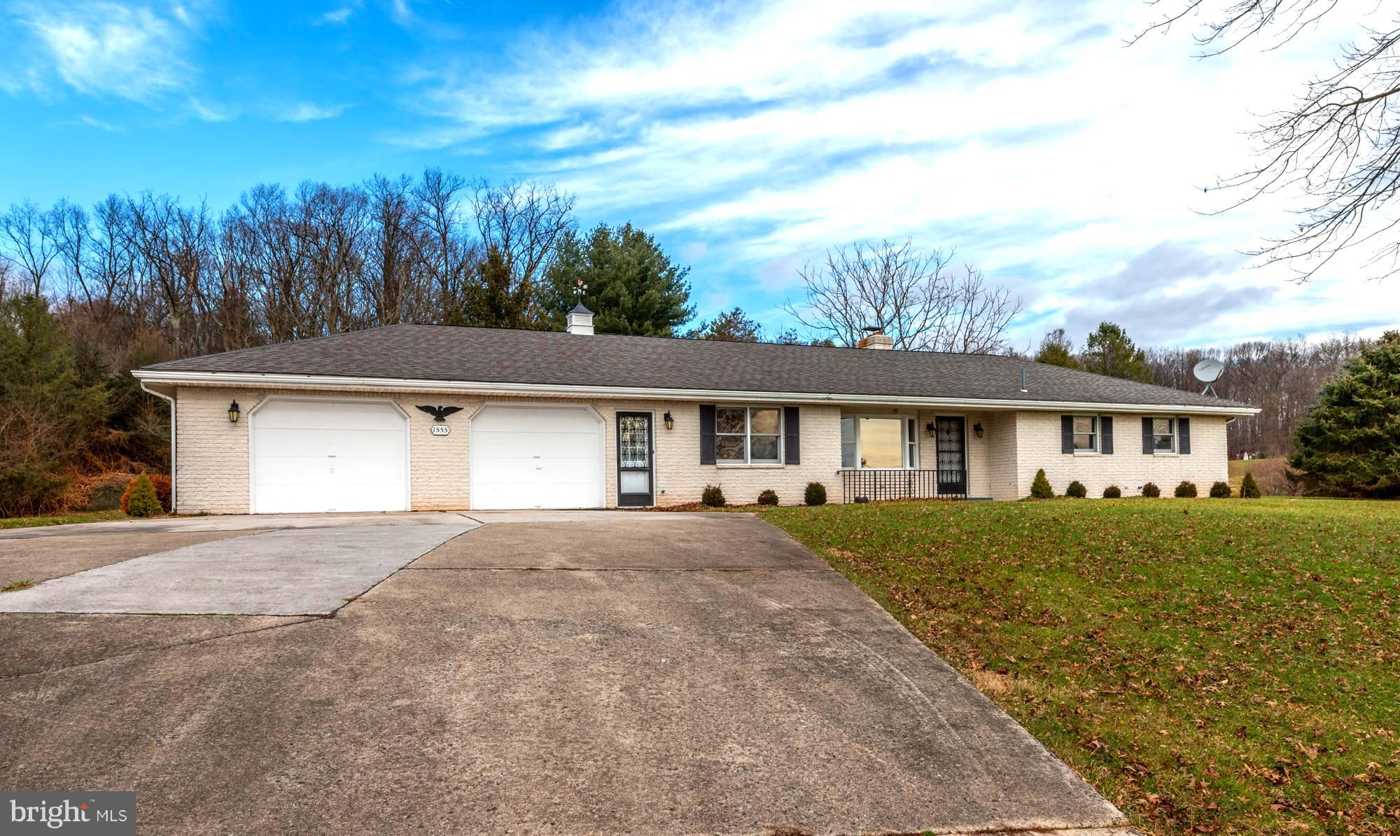 1555 COUNTY LINE ROAD, YORK SPRINGS, PA 17372