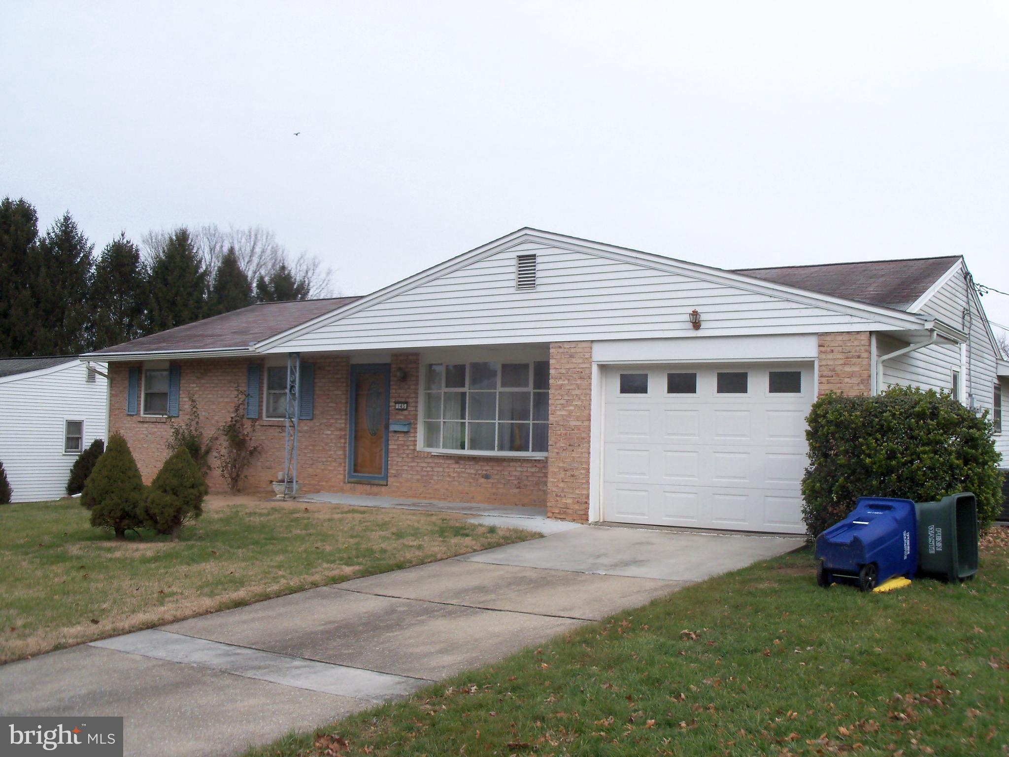 Windsor Park-Brick/Alum. Ranch featuring 3 Bedrm, 2 Bath  with nice size  Family  Rm w/Gas Fireplace.  Hardwood flooring under Living Rm, Dining Rm  and Bedroom carpet  Full Basement, C/A.  Shed Open back yard.  Front porch,  rear patio off Family Rm. Convenient to major highways, shopping, restaurants and park.  Don;t miss!  One year AHS Warranty to buyer.