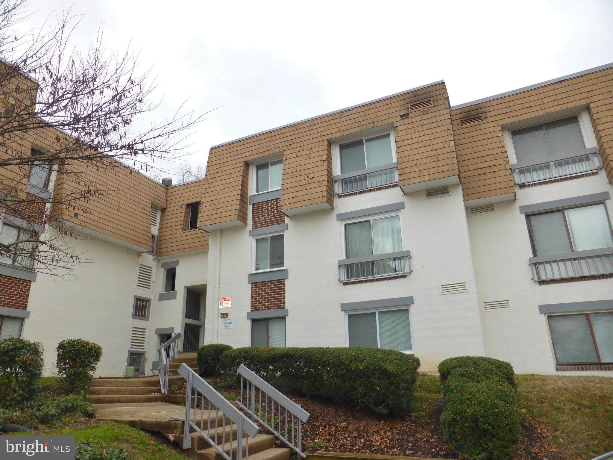 Great Value 3BR/2BA Top Floor Condo w/ Many Upgrades! Spacious & open living areas. Eat-In Kitchen w/ maple cabinets, recent SS appliances. Private balcony. Washer/Dryer in unit. Great neighborhood w/ Pool! So convenient to Bus to Metro, Ft Belvoir, 495, National Landing!