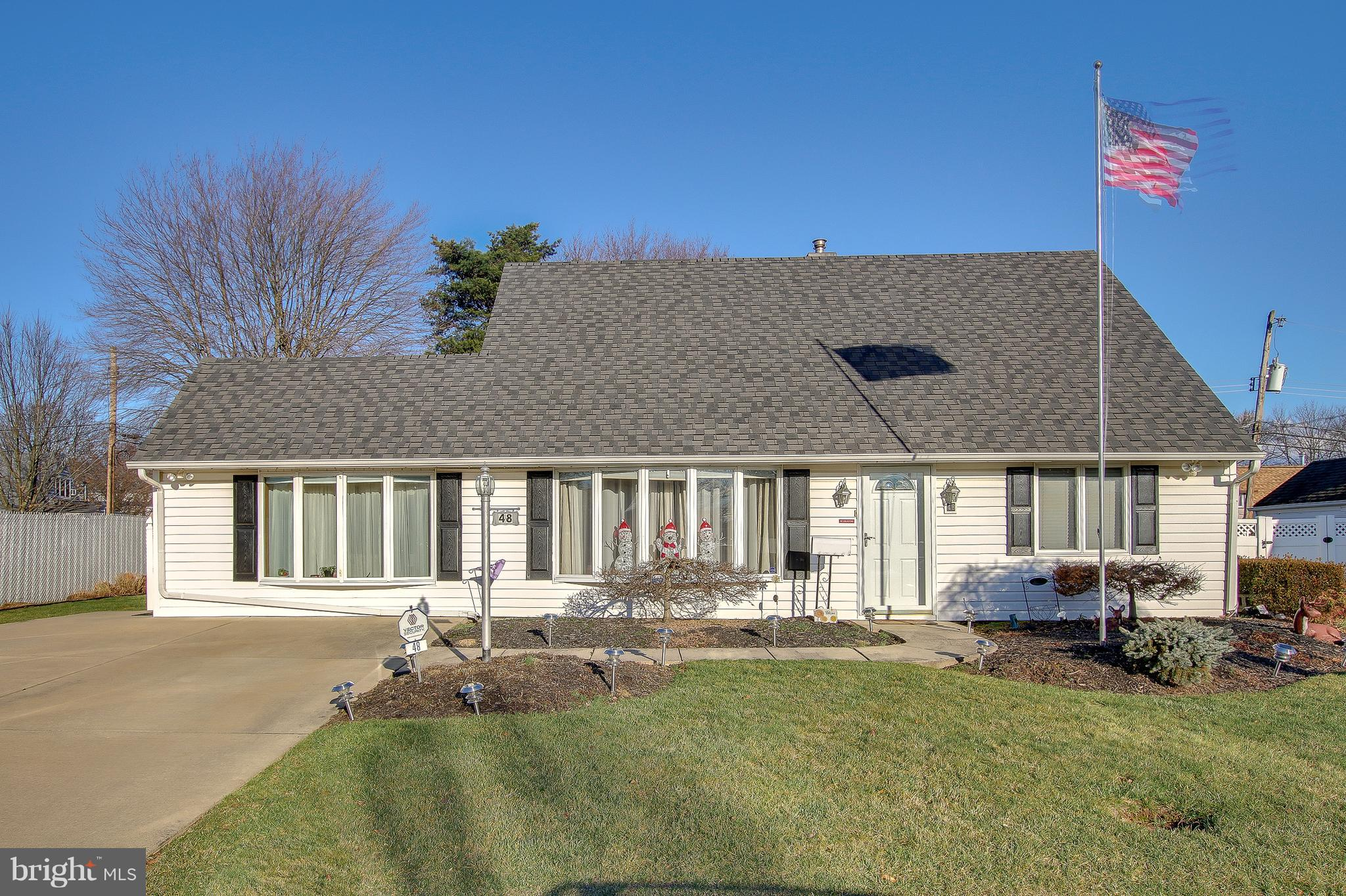 48 HEMLOCK ROAD, LEVITTOWN, PA 19056