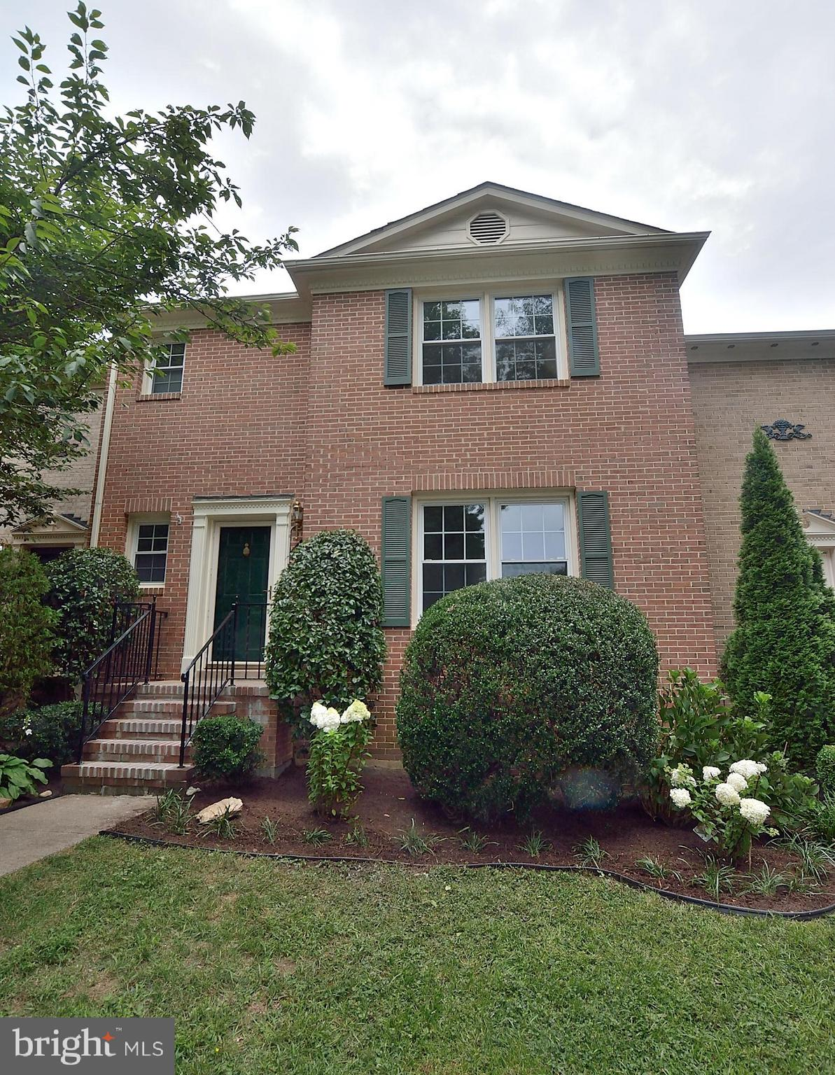 ALL BRICK SPACIOUS TOWNHOUSE WITH 1832 SQ. FT. FIN ON TOP TWO LEVELS PLUS A FIN. LL WITH FIREPLACE AND WALKOUT TO PRIVATELY FENCED LOT.  UPGRADED TOP TO BOTTOM