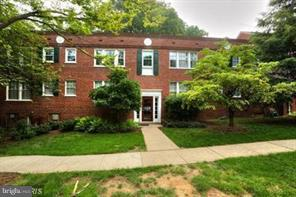 Rare efficiency in Colonial Village, just a short distance to Georgetown and DC. Features eat-in kitchen with space for table and 4 chairs. Generous closet and storage space. Rent includes electric utilities.