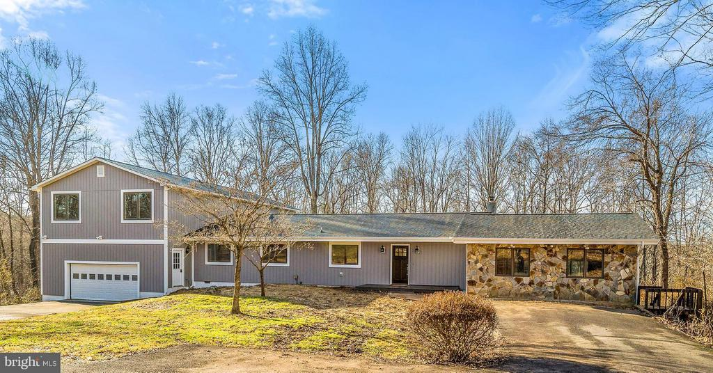 9695  RIDGE VIEW DRIVE, Marshall in FAUQUIER County, VA 20115 Home for Sale