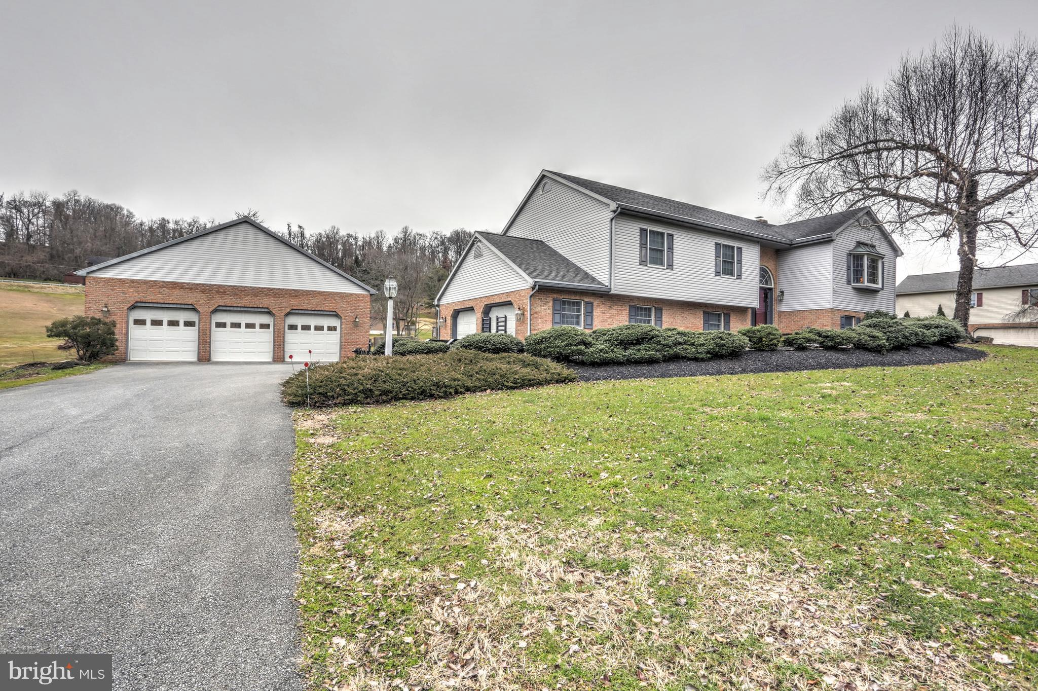1119 RAWLINSVILLE ROAD, WILLOW STREET, PA 17584