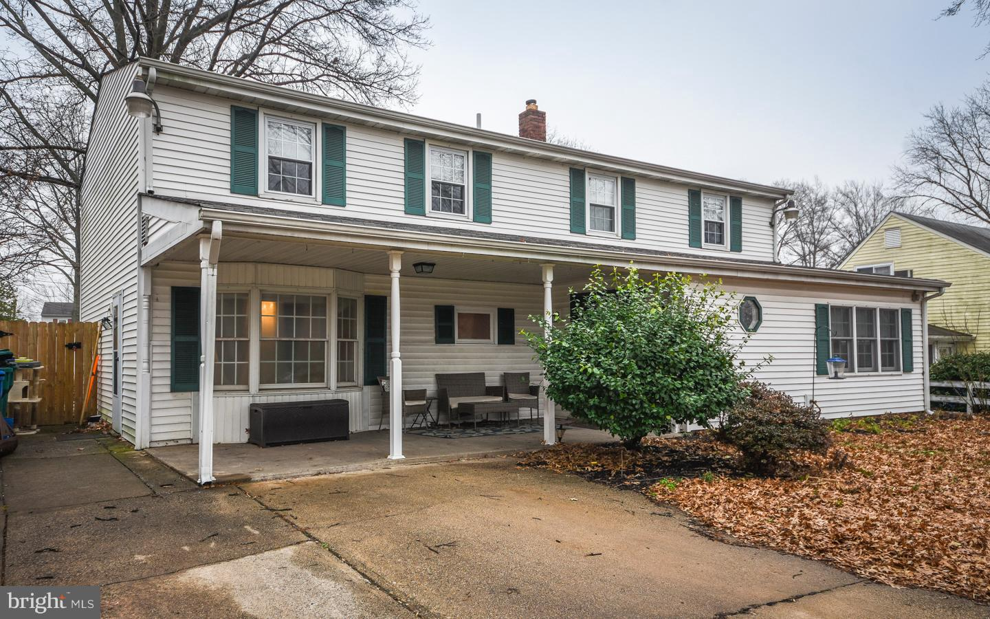 42 ROLLING LANE, LEVITTOWN, PA 19055