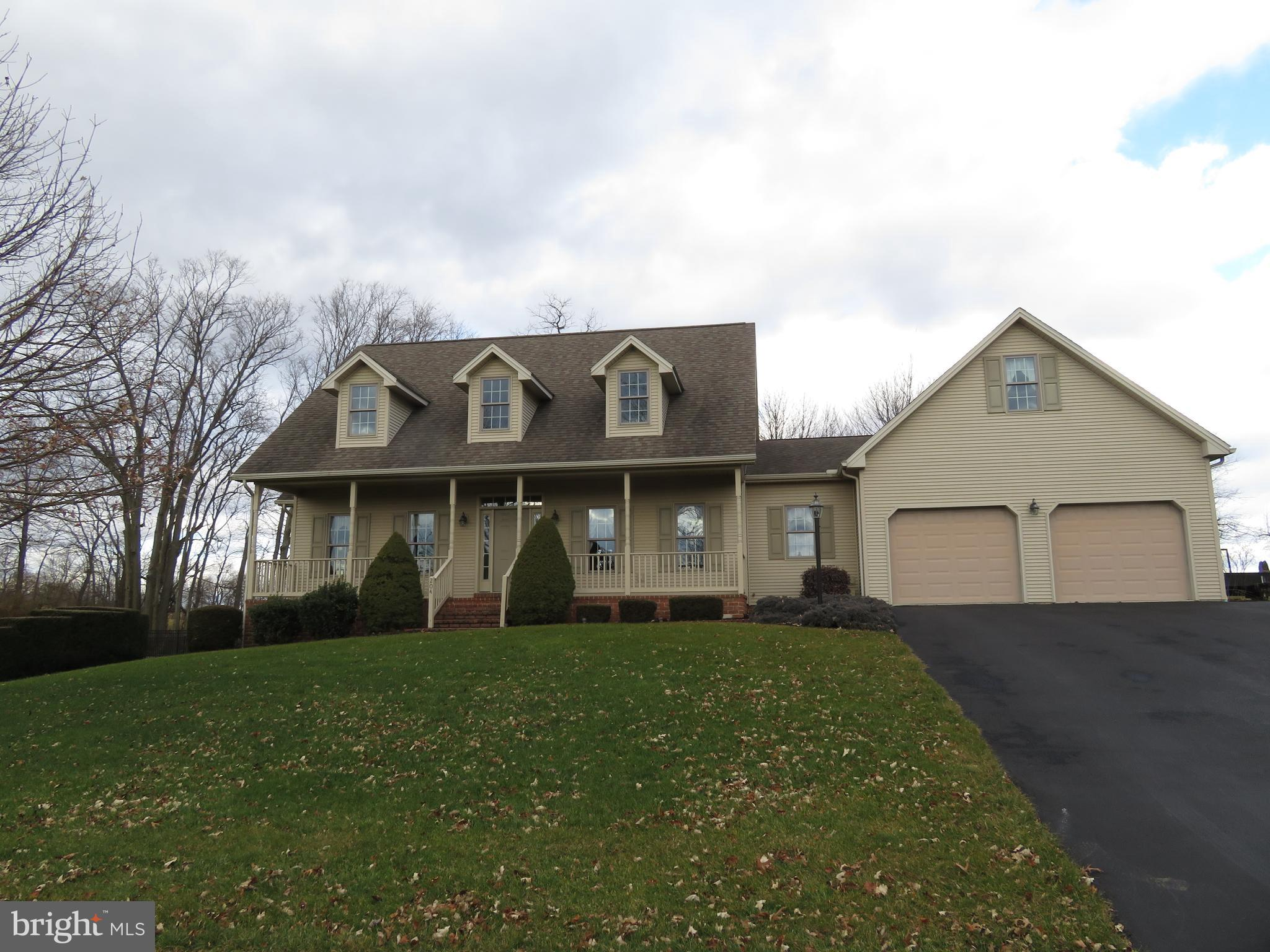 204 HOPE DRIVE, BOILING SPRINGS, PA 17007