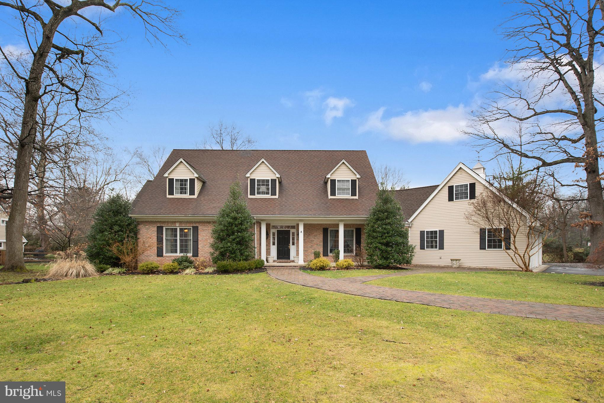5 CARDINAL DRIVE, MOORESTOWN, NJ 08057