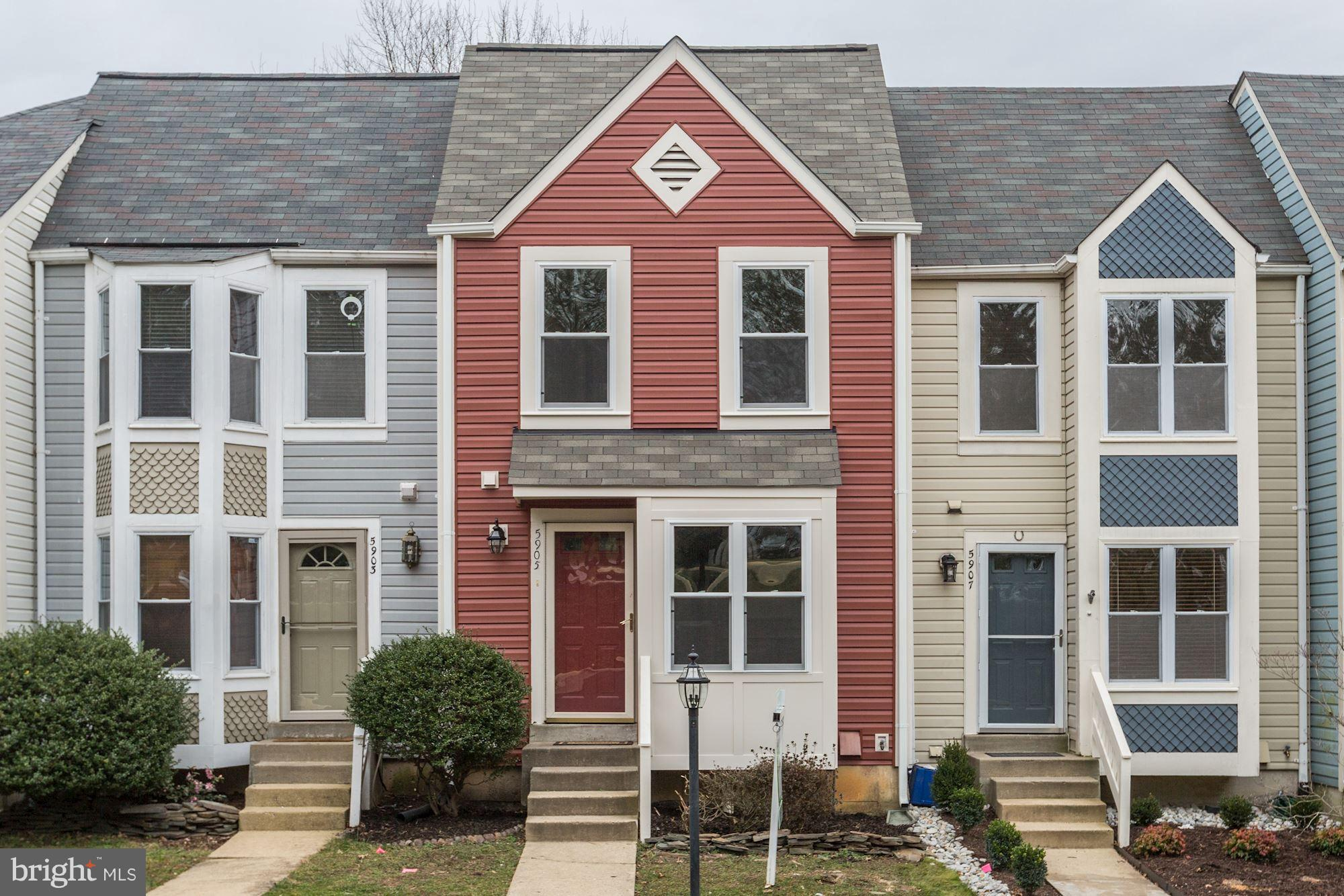 Remolded 3 level townhouse with 3 bedrooms 2.5 baths. New siding.  Updated Deck.  Great neighborhood! Must see