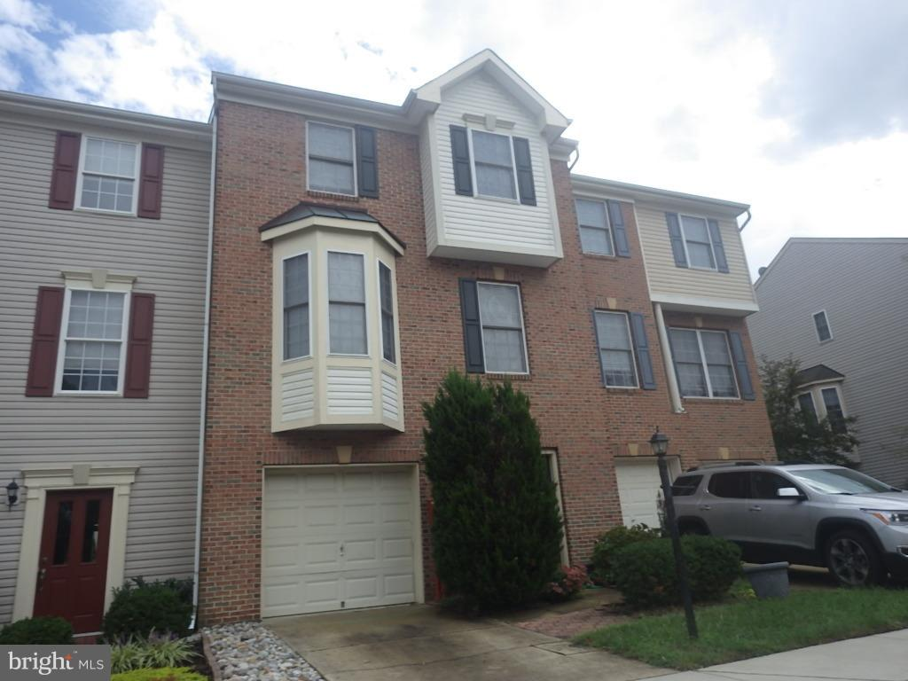 Spacious  3-level townhome in a private location. Dual level decks, gas fireplaces on  two levels. Well maintained throughout.  Kitchen has 42 inch maple cabinets,  with corian counters.  Master bed wtih large closet, bath with shower and separate tub. Won't last long!