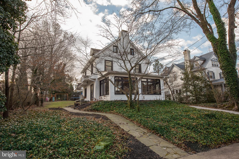 541 Manor Road Wynnewood, PA 19096