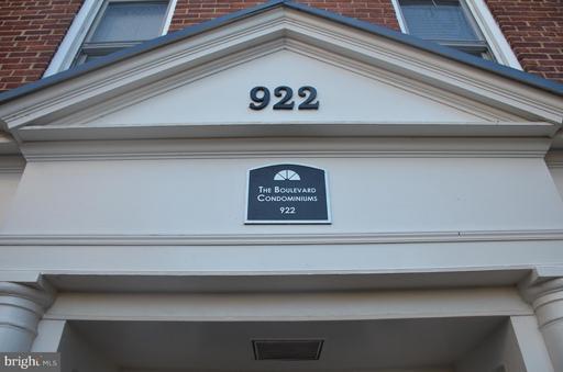 922 Washington St S #203