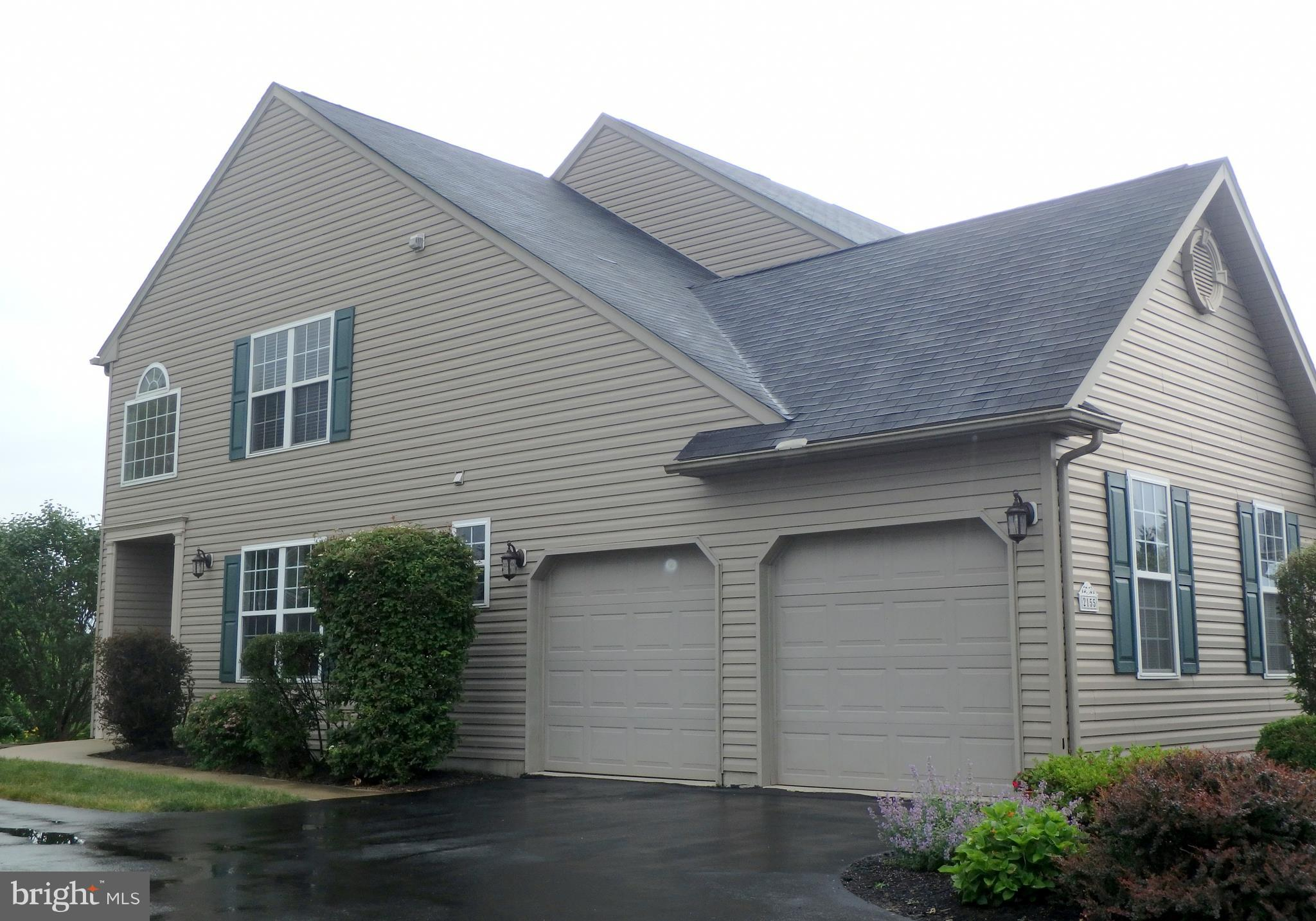 2155 ROLLING MEADOW DRIVE, MACUNGIE, PA 18062